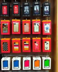 Mobiltelefon tartozékok és mobil kiegészítők: sok a gyártó