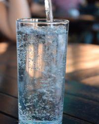 Sokan intézik online az ásványvíz rendelésüket