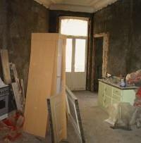 A lakás felújítása: nyílászárók, padló és festés