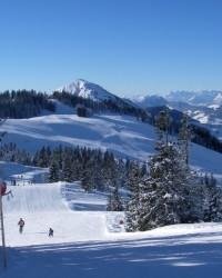 Kitzbühel síelés: síbérlet árak, sípályák, szállodák és hójelentés